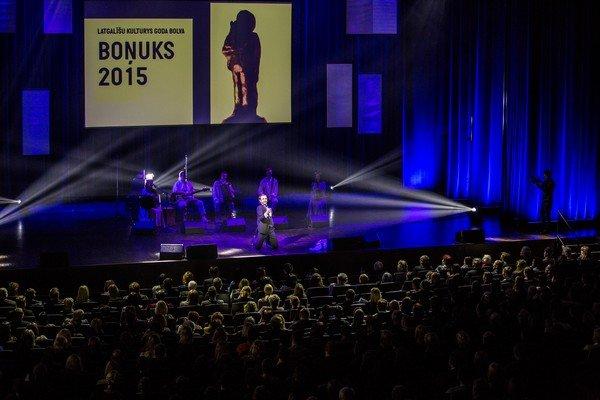 06 Bonuks 2015