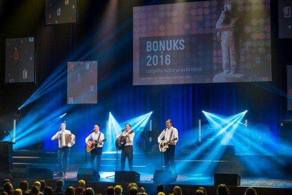 Bonuks-145