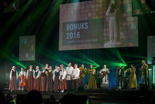 Bonuks-248