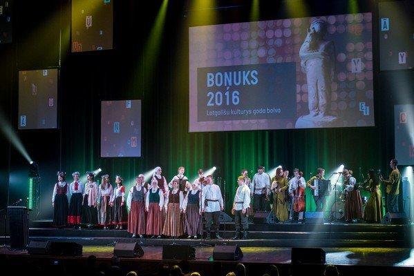 Bonuks-280