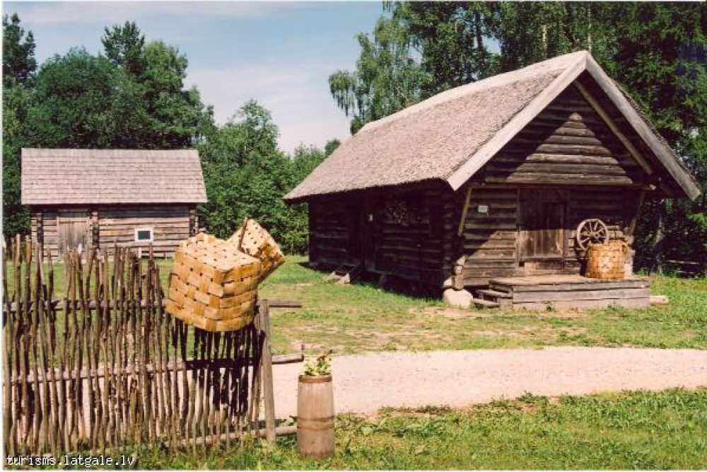 Divys filmys par latgalīšu folkloru i literaturu