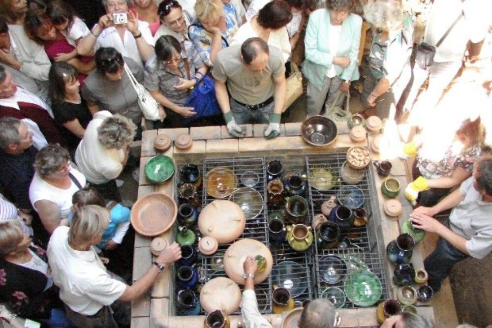 """""""Jasmuižā"""" 9. i 10. augustā keramikys cepļa kurynuošona i attaiseišona"""