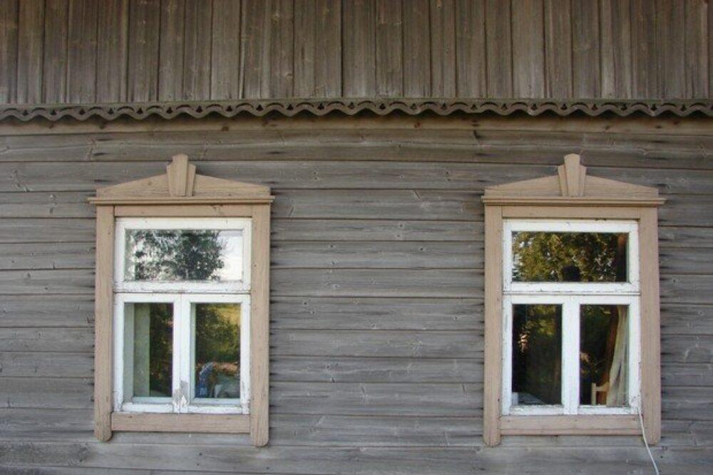 """Skryndu dzymtys muzejā attaiseis gruomotu """"Viensētu koka arhitektūras savdabība Dienvidlatgalē"""""""