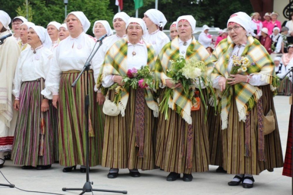 Aizvadeits Latgolys XIV Senioru dzīšmu i deju festivals