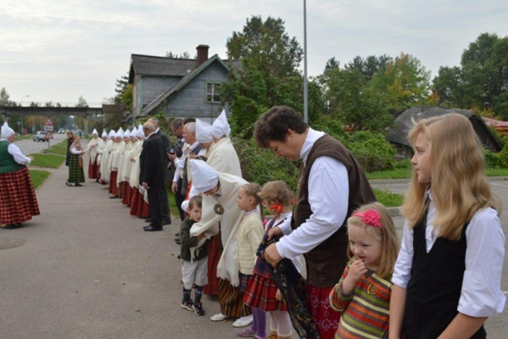 Sastdiņ Leivuonā byus Leluo latgalīšu tautysdzīšmu kēde