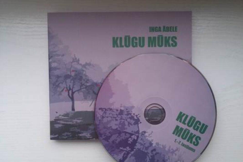 """Romana """"Klūgu mūks"""" radejis lasejumi izdūti CD formatā"""