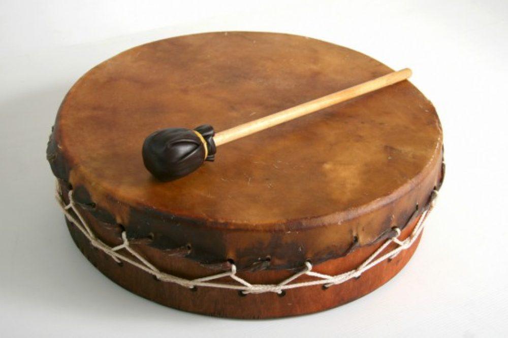 Latgolys namaterialais kulturys montuojums: bubyna spēlis tradiceja