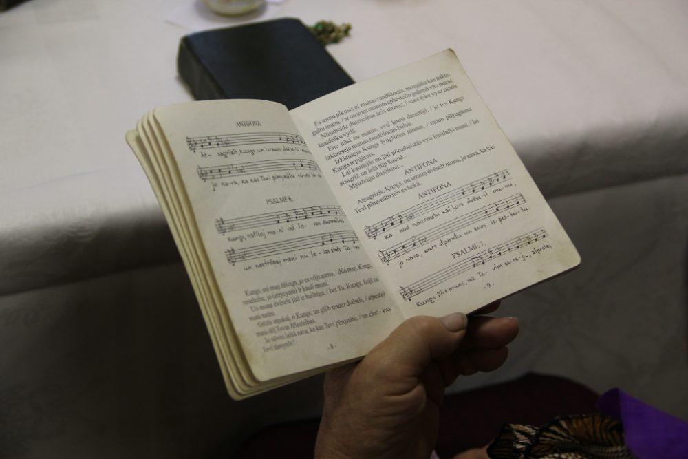 Latgolys namaterialais kulturys montuojums: psaļmu dzīduošona Zīmeļlatgolā