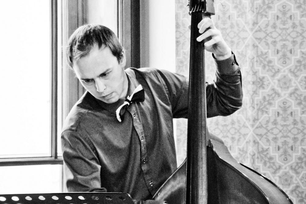 Myužeibā nūguojs džeza kontrabasists Tuoms Lipskis