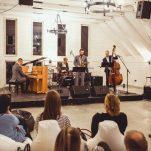 """""""Škiuņa džezs"""" Toma Lipska pīmiņai i jaunūs muzyku izaugsmei"""