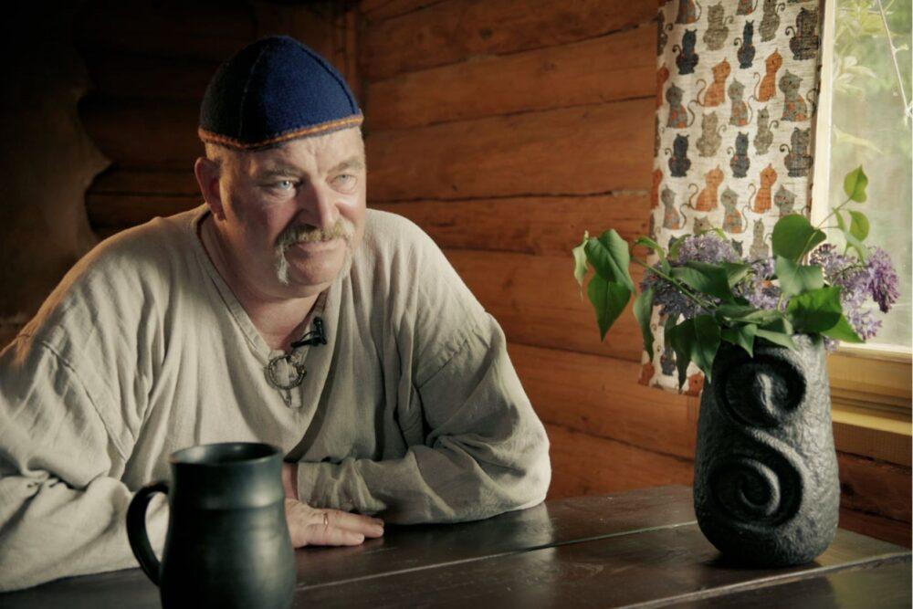 Dagdā pyrmyzruode dokumentalai filmai par akmiņa ols dareišonu